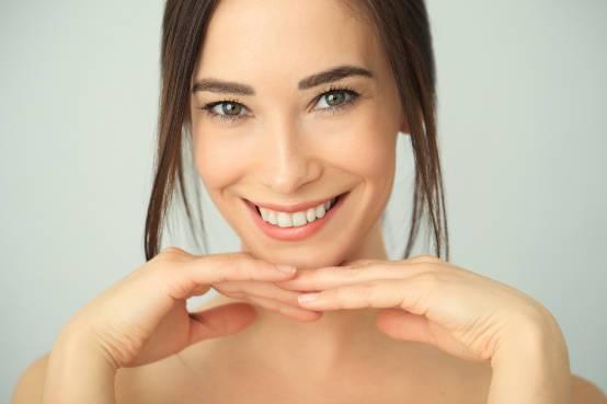 Naučite čemu služi i kako da sami koristite dermaroler >>