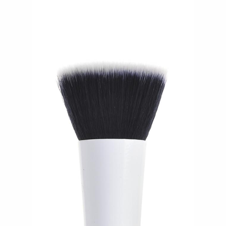 Ravna četkica za tečni puder CALA Urban Studio 76205 sintetička dlaka
