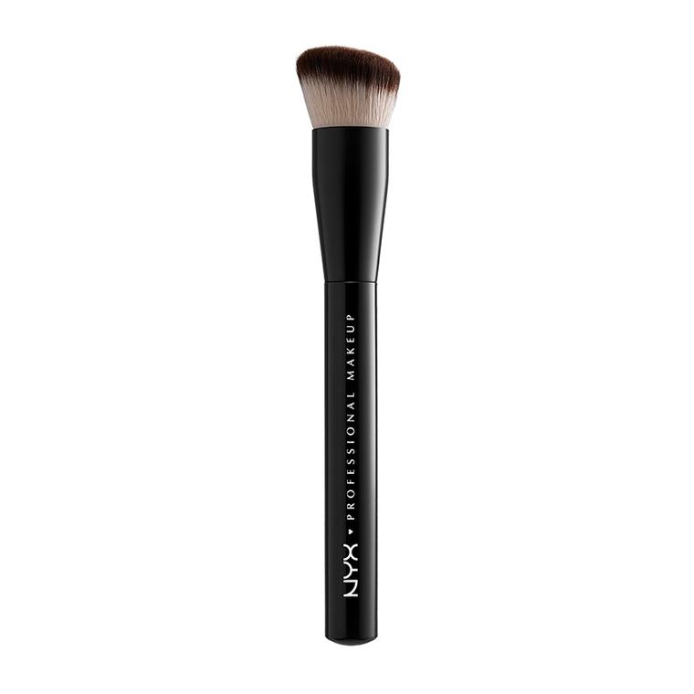 Četkica za tečni puder NYX Professional Makeup Can't Stop Won't Stop PROB37 sintetička dlaka