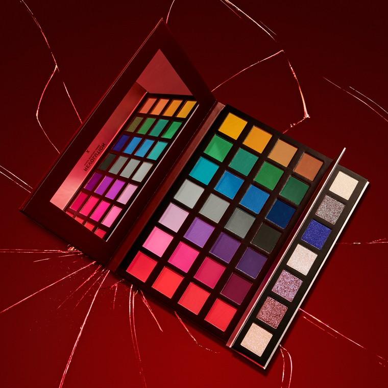 Paleta senki za oči i pigmenata REVOLUTION MAKEUP X Alexis Stone The Instinct 33.6g
