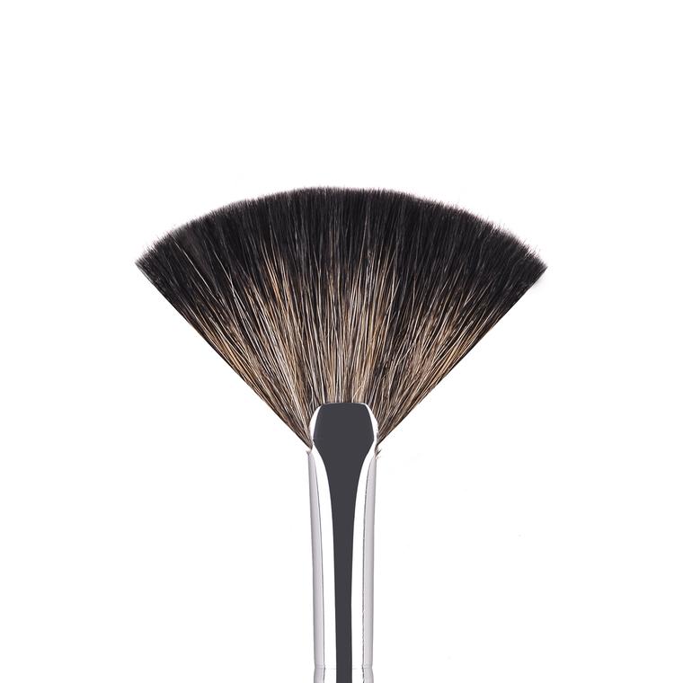 Lepezasta četkica za fino konturisanje CALA 305 sintetička dlaka